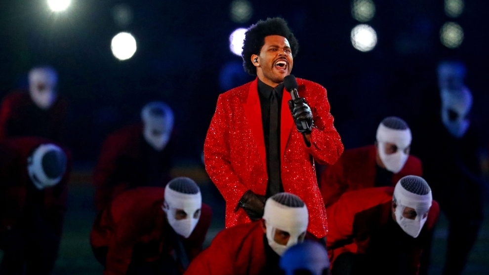 The Weeknd entrega un show prolijo en el Super Bowl 2021