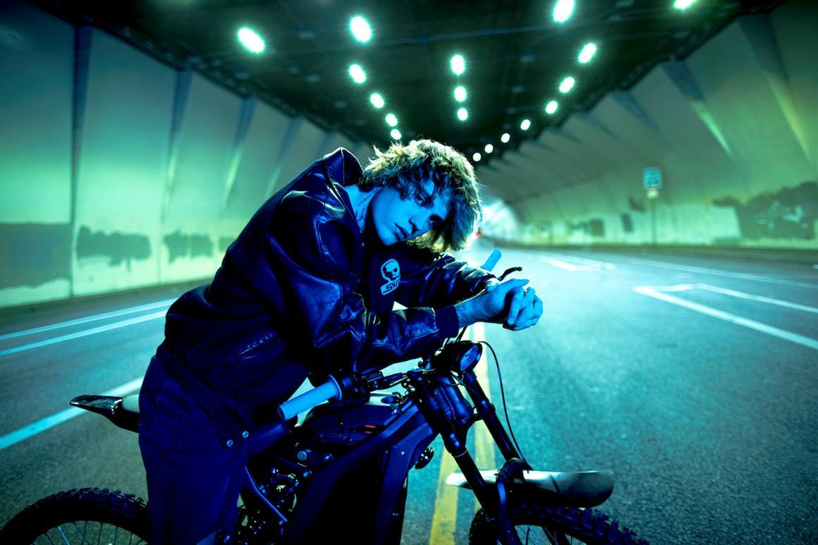 «Jus†ice»: teléfono para Justin Bieber desde Francia por el lanzamiento de su nuevo álbum